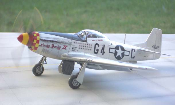 Source World War 2 Airplane Model